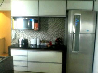 Cozinhas pequenas e planejadas: aproveitando espaços com criatividade